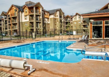 Lake Windermere Pointe Condos
